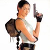 Nell McAndrew en Lara Croft